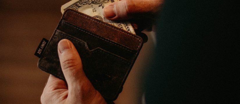 ustawa o przeciwdziałaniu praniu pieniędzy oraz finansowaniu terroryzmu komentarz