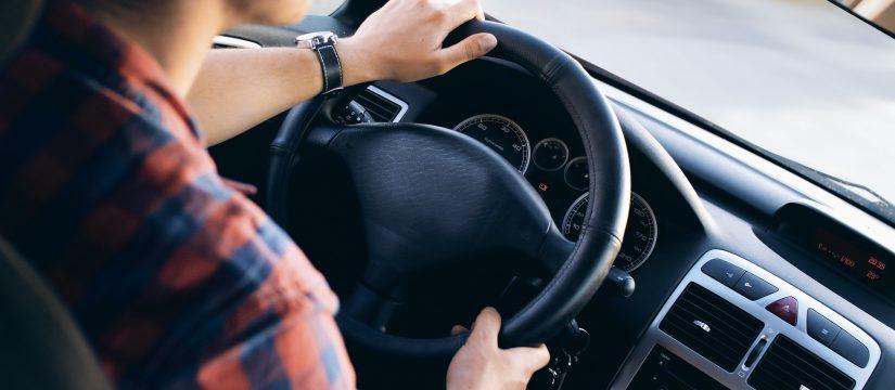 Kary za cofanie licznika w samochodach