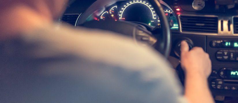 nowe systemy bezpieczeństwa w samochodach